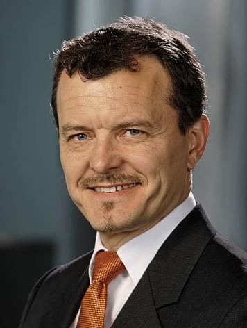 Prof. Klaus Kompass